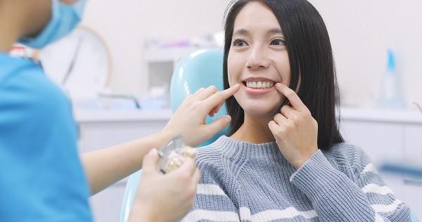 سن مناسب جایگزین کردن دندان