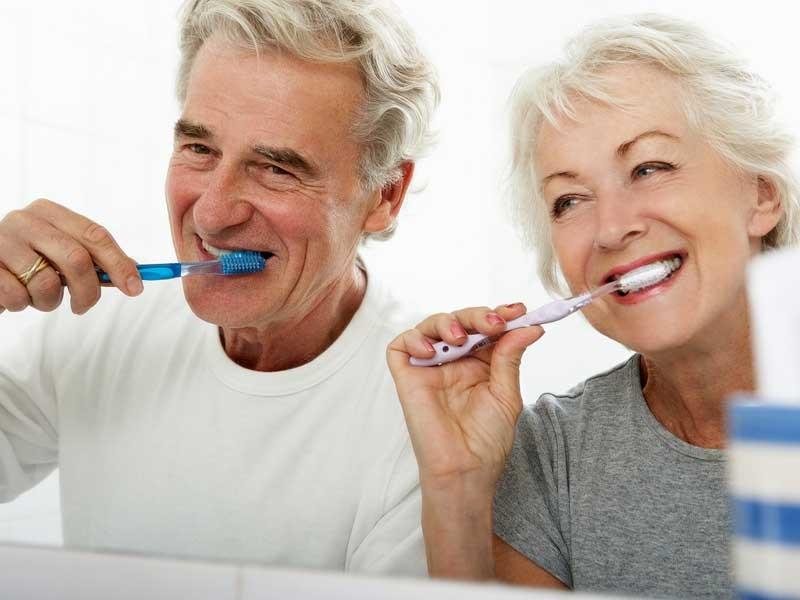 مراقبتهای دهان و دندان برای سالمندان