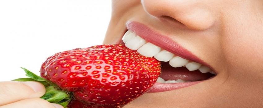 خطرات ناشی از سفید کردن دندانها در خانه